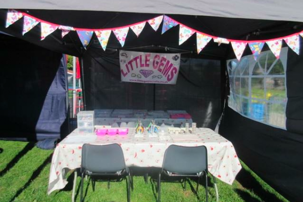little gems stall